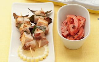 Ricetta spiedini di spada con pancetta e pomodori alle olive ...