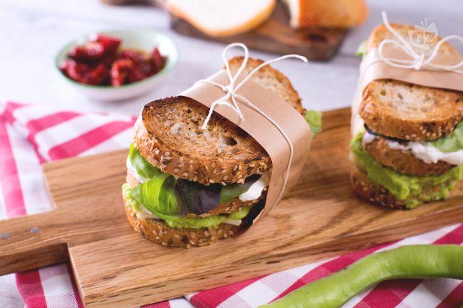 Ricetta sandwich di fave e formaggio