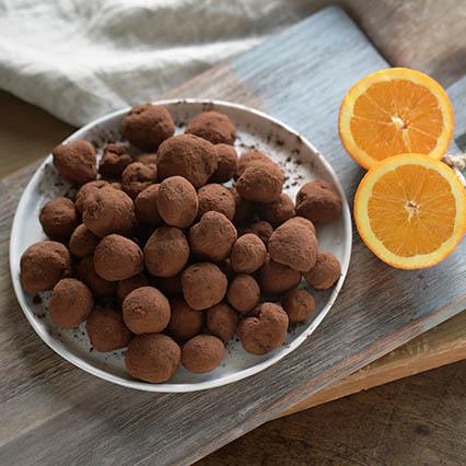 Tartufi al cioccolato e scorza d'arancia