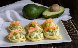 Ricetta barchette alla mousse di gamberetti e avocado