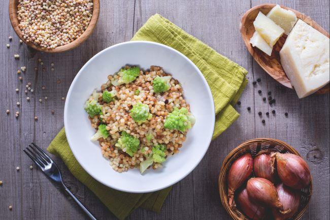 Ricetta fregola con broccolo romanesco
