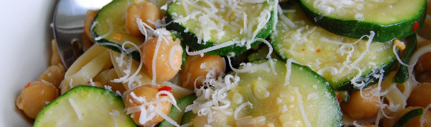 Ricetta pasta con ceci e zucchine