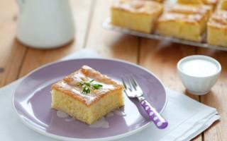 Ricetta torta morbida alle pesche bianche con glassa ai fiori d'arancio