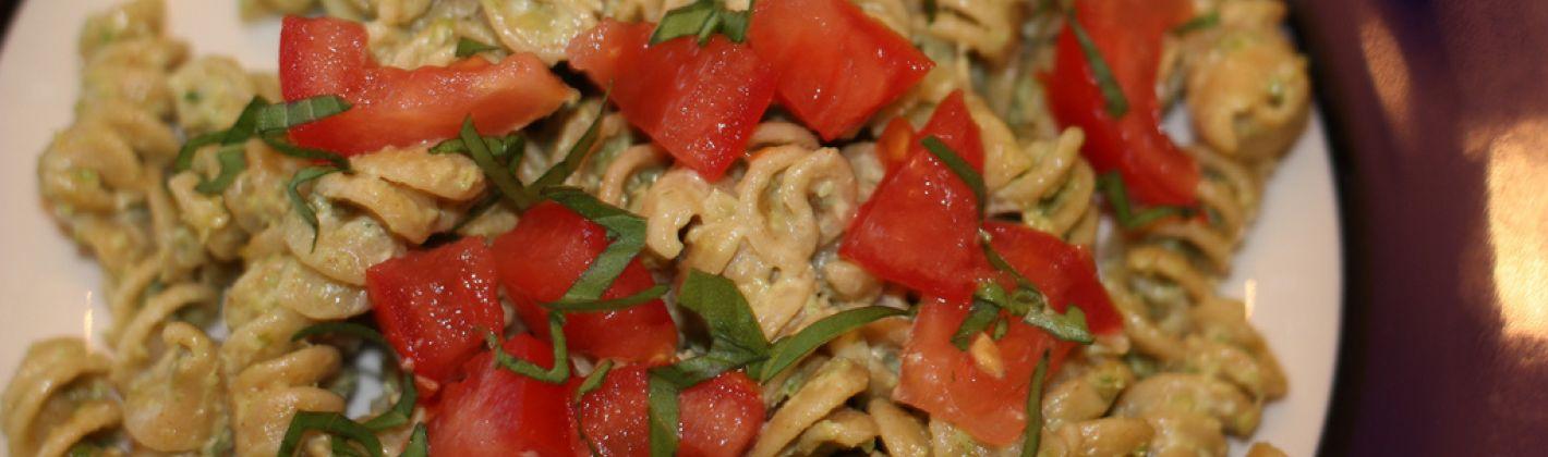 Ricetta pasta con pomodorini, ricotta e pesto
