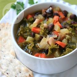 Zuppa di cavolo nero vegana