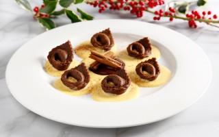 Ricetta tortelloni al cioccolato ripieni con crema al gianduia ...