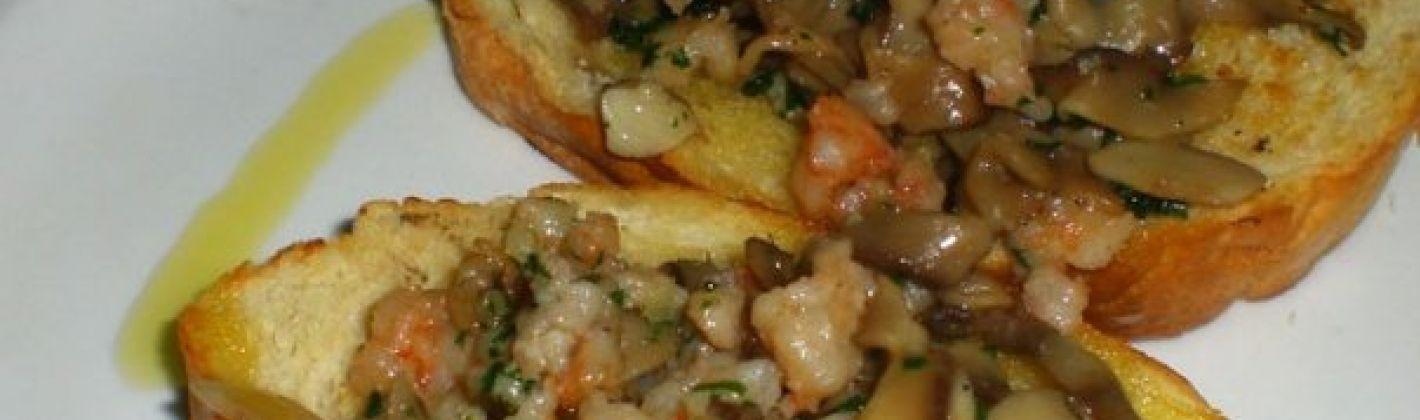Ricetta crostoni con gamberetti funghi e noci