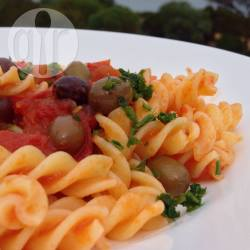 Maccheroncini piccanti alle olive e capperi