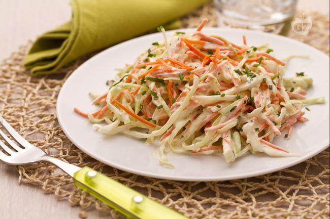 Ricetta insalata di cavolo e carote (coleslaw)