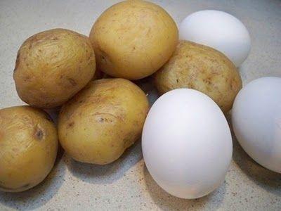Ricetta insalata di patate, uova e germogli di soia