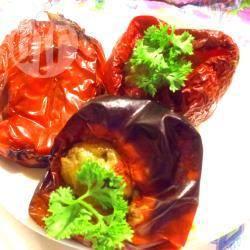 Peperoni ripieni di tonno, olive e capperi
