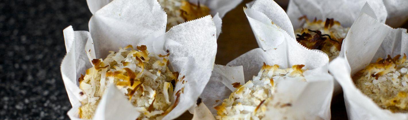 Ricetta muffin con cocco e albicocche secche