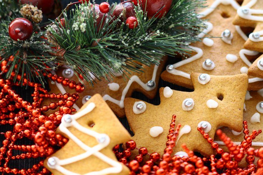 Ricetta biscotti di natale da appendere all'albero [foto]