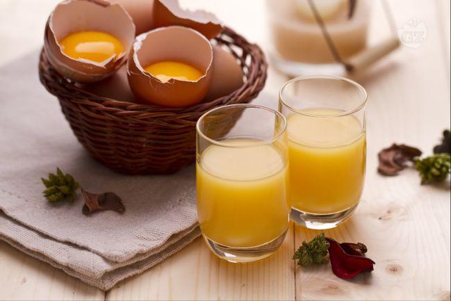 Ricetta liquore di crema all'uovo (vov)