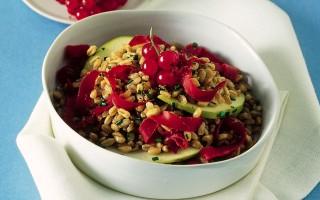 Ricetta insalata di farro con manzo affumicato, mele e ribes ...