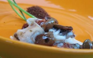 Ricetta calamari con pomodori secchi e taggiasche