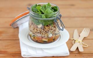 Ricetta insalata di quinoa e bulgur, fichi, roquefort e noci nel barattolo