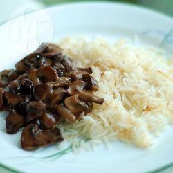 Spezzatino di carne e funghi alla stroganoff