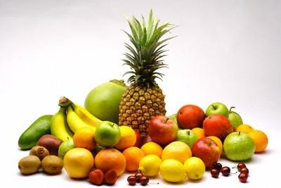 Ricetta frutta fresca con panna e zafferano