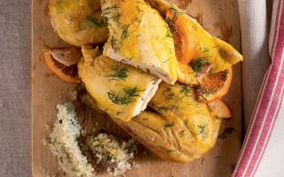 Ricetta pollo al sale con finocchietto e arancia