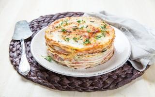 Ricetta torta di crepes salata con prosciutto e formaggio