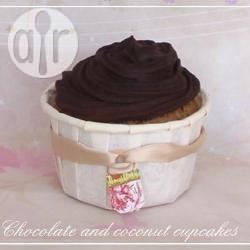 Cupcake al cocco e ganache al cioccolato