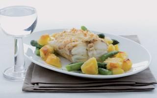 Ricetta coda di rospo al forno con patate e asparagi