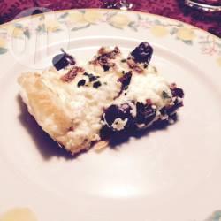 Torta salata alla ricotta con acciughe e olive