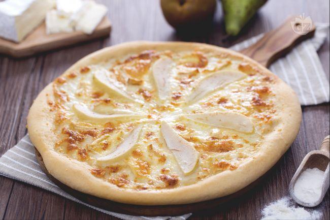 Ricetta pizza pere e brie