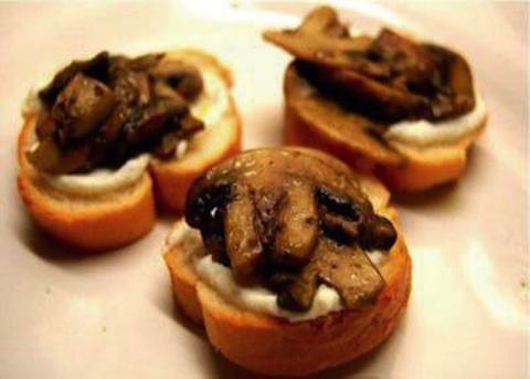 Crostoni ai funghi