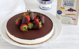 Ricetta cheesecake senza cottura al mascarpone, cioccolato e fragole