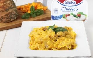 Ricetta pasta con zucca, salsiccia e formaggio