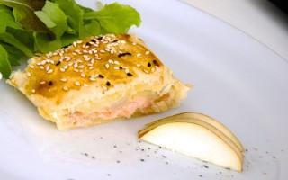 Ricetta strudel di salmone, pere e mandorle