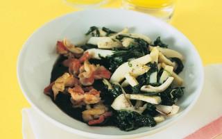 Ricetta seppie e spinaci con farfalle alla pancetta