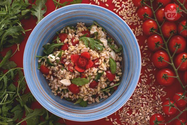 Ricetta insalata di farro e orzo estiva