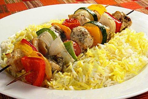 Spiedini di carne e riso