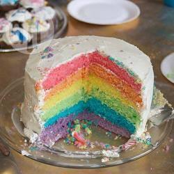 Torta arcobaleno a strati