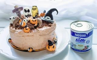 Ricetta torta di halloween al cacao con crema al latte condensato e ...