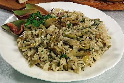 Risotto all'acciuga con carciofi
