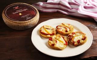 Ricetta crostini di polenta con toma di maccagno e peperoni ...