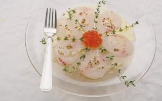 Ricetta carpaccio di pesce spada con uova di trota