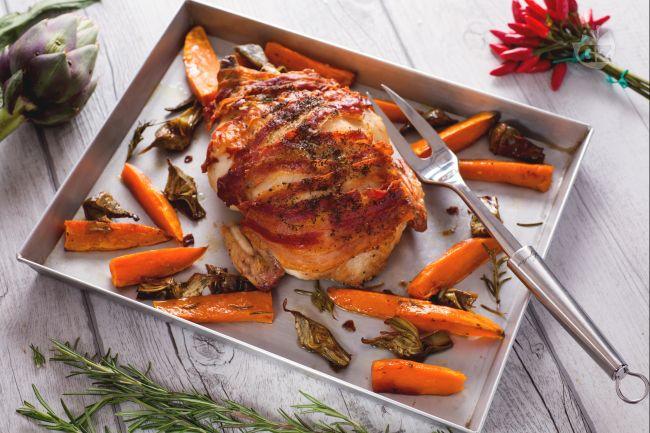 Ricetta pollo bardato con carciofi e patate dolci
