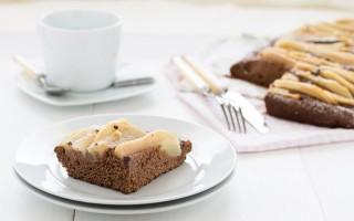 Ricetta focaccia dolce con pere e cioccolato