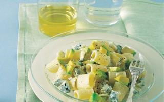 Ricetta mezzi rigatoni con avocado e gorgonzola