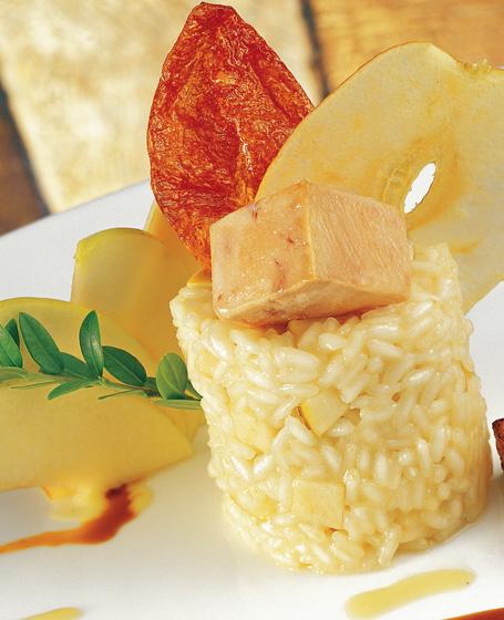 Riso carnaroli mantecato con mele golden all'olio di oliva e fegato ...