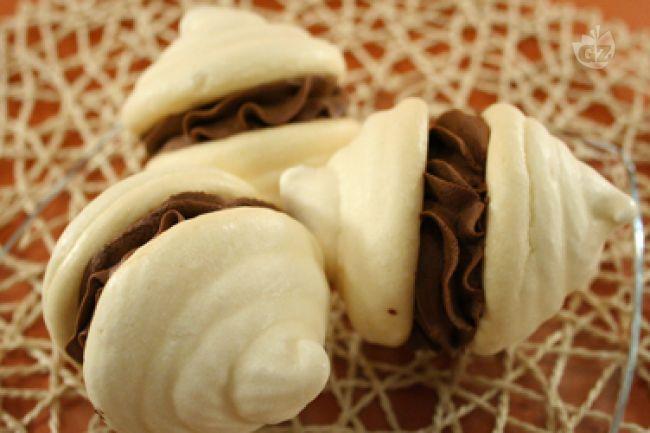 Ricetta doppie meringhe con panna montata al cacao