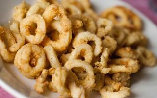Ricetta anelli di calamaro fritti con panure al curry