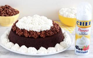Ricetta torta al cioccolato e cannella con riso soffiato