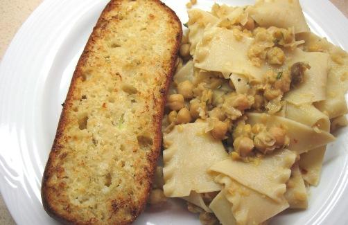 Pasta e ceci alla napoletana