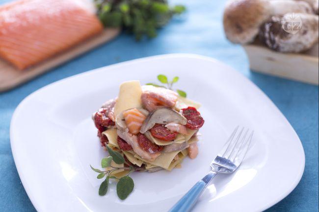 Ricetta maltagliati al salmone, porcini e pomodorini confit